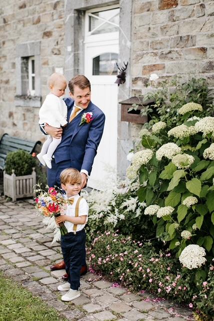 Bruidegom met kindjes