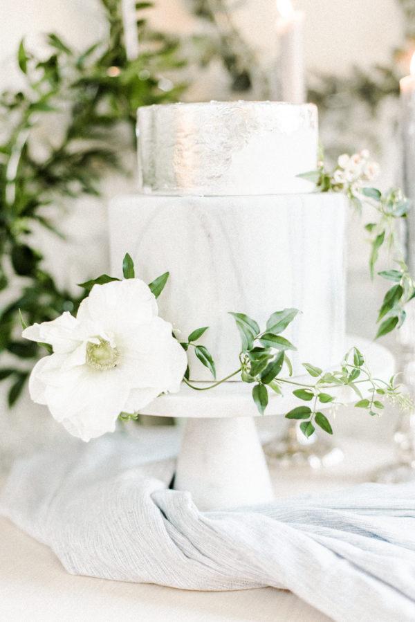 bruidstaart met marmeren look